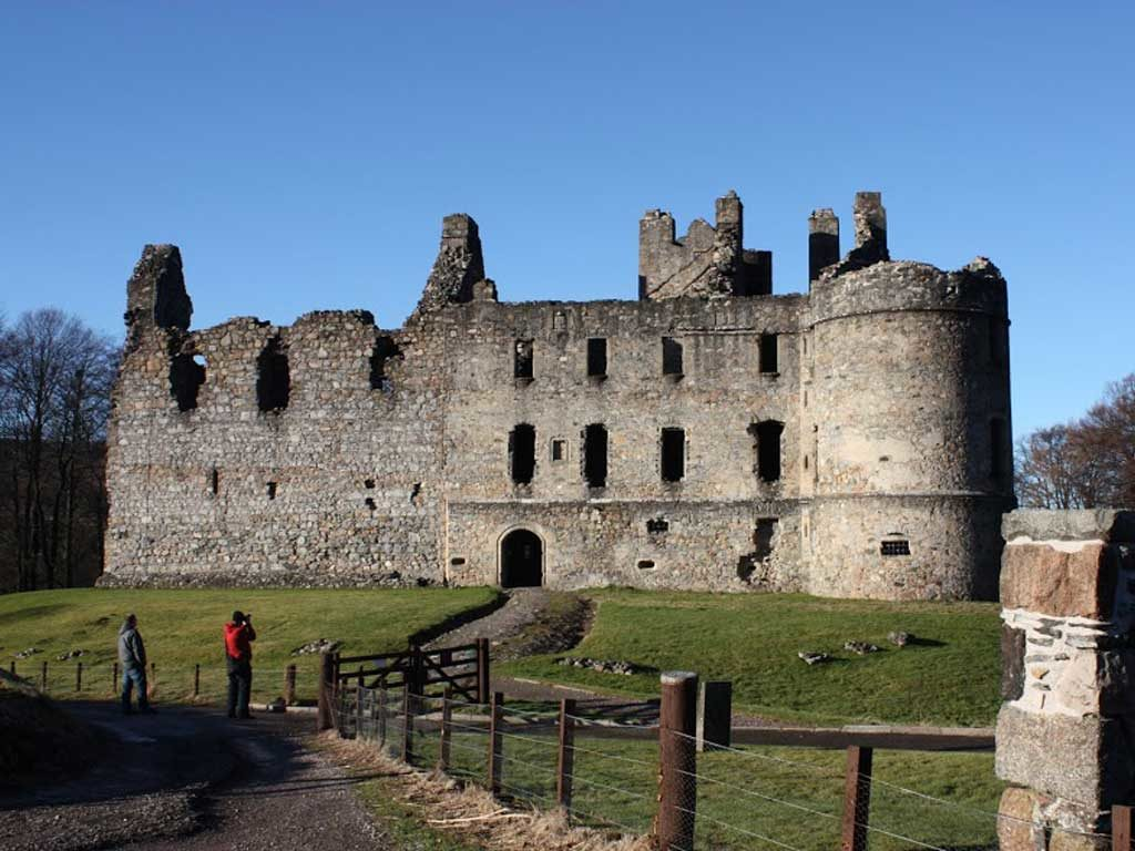 Moray Firth Tours - A Trip To Balvenie Castle