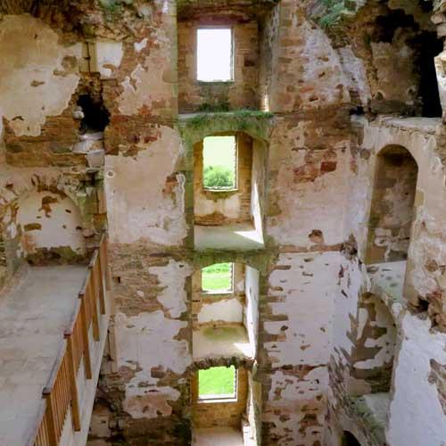 Carden - Spynie Palace - Davids Tower 01